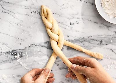 DIY At-home Pretzel Kit: 1001 kiểu sáng tạo hình dáng bánh pretzel thú vị